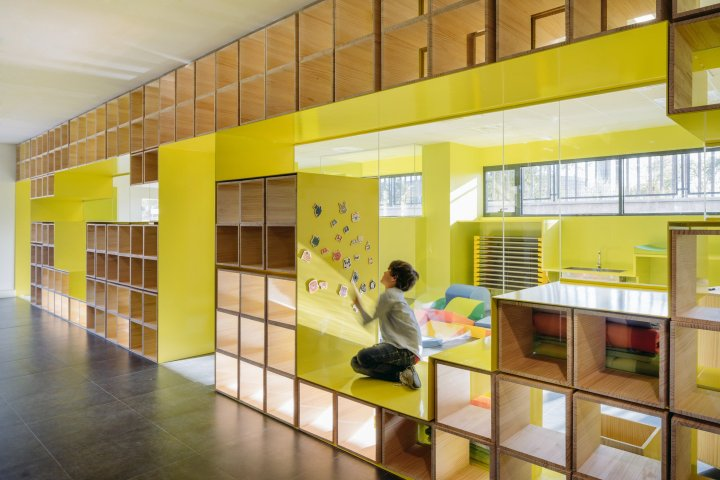 english-for-fun-rica-studio-interior-design-schools-spain_dezeen_2364_col_0